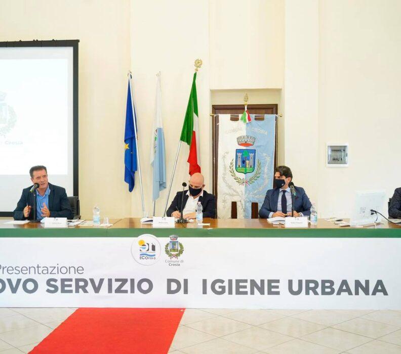 Crosia, presentato il Servizio di Igiene Urbana. Fari accesi sull'emergenza rifiuti.
